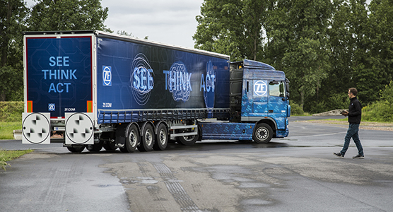 zf_innovation_truck_2016.jpg