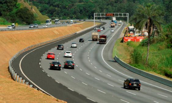 CCR AutoBAn libera ao trfego a quinta faixa da Rodovia dos Bandeirantes